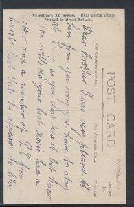 Northamptonshire Postcard - Parish Church, West Front, Kettering  RS10427