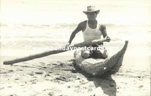 peru, TRUJILLO, Huanchaco Beach, Man on Totora Reed Fishing Boat (1940s) RPPC