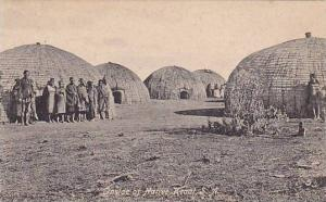 Inside a native Kraat, S.A. , 00-10s