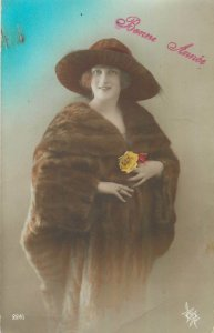 Glamour ladies head decoration early fashion postcard portrait hat bonne annee