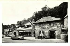 wales, BETWS-Y-COED, Anna Davies Welsh Wool Shop, Car (1960s)