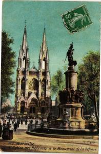 CPA MARSEILLE-L'Église des Reformes et le Monument de la Defense (185808)