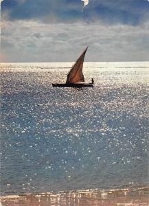 BR47563 L Ile Maurice pirogue de pecheur sur une argentee    Mauritius