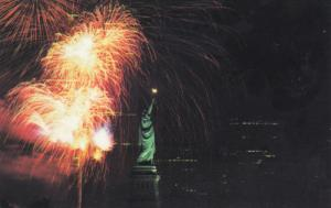 Fire Works , Statue of Liberty , New York City , 50-60s