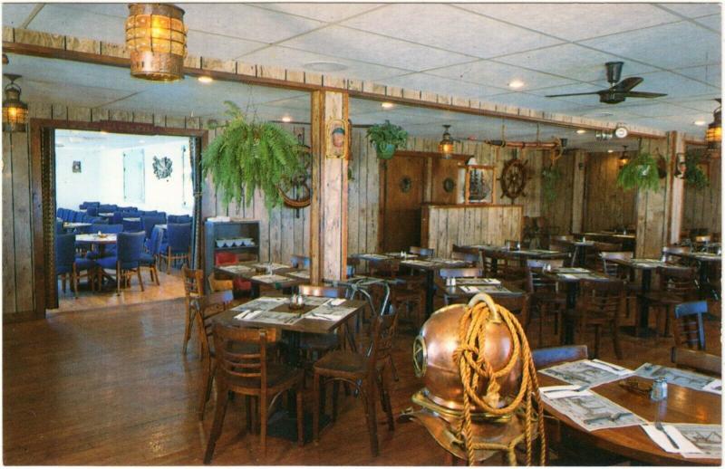 Galilee Narragansett RI The Fo'c's'le Restaurant 1980s Postcard