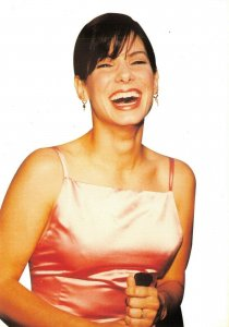 Postcard, SANDRA BULLOCK Laughing Portrait by Heroes Publishing Ltd 65V