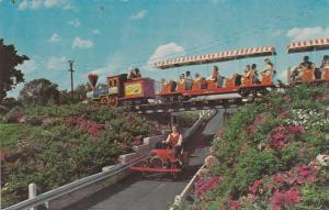 Miniature Train, Dutch Wonderland, Castle Gift Shop, LANCASTER, PA, 40-60s