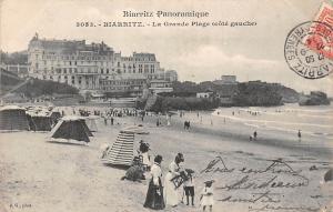France, Biarritz - La Grande Plage (cote gauche) animee beach 1904