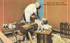 USA Wooden Shoe Maker at the Dutch Novelty Shop Holland Michigan 04.50