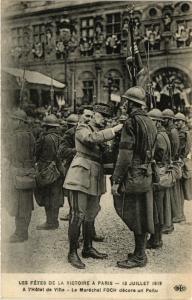 CPA Militaire, Les Fetes de la Victoire a Paris - L'Hotel de Ville (362044)