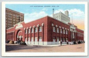 Jackson Mississippi~Cars Both Sides City Auditorium~Corner Chatters~1930s Linen