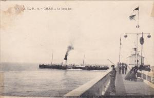 CALAIS, Pas de Calais, France; Le Jetee Est, PU-1905