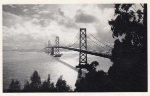 SAN FRANCISCO , California , 30-40s ; Golden Gate Bridge