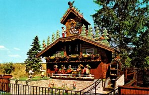 Ohio Wilmont Alpine-Alpa World's Largest Cuckoo Clock