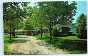 Karo Lar Motel Lars Soderwall Elk Rapids Michigan MI Vintage Postcard B21