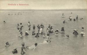 hungary, FÜRDÖZÖK, Balatonban, Swimming Swim Suits (1910s)