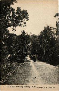 PC CPA LAOS, INDOCHINA, SUR LA ROUTE DE LUANG PRABANG, Postcard (b20889)