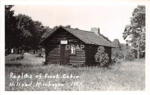 C53/ Holland Michigan Mi Photo RPPC Postcard c40s Replica of First Log Cabin