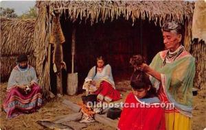 CHROME ERA (1939 to present day) Seminole Indians, Florida USA Postcard