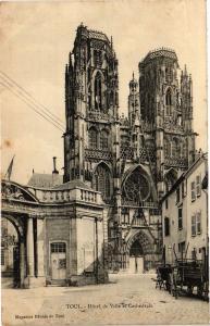 CPA Toul-Hótel de Ville et Cathédrale (187771)