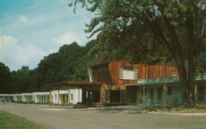 PARKERSBURG , West Virginia , 1950-60s ; Green Acres Motel , V-2