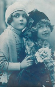 RP: Portrait of Two Little Girls, Roses, PU-1913