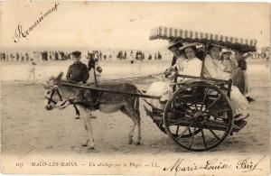 CPA MALO - LES - BAINS.- Un attelage sur la plage  (194509)