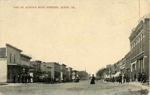 One of Alton's Busy Streets Alton Iowa, IA Divided Back PC
