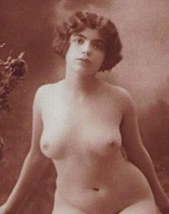 HR-18 - A Nude French Lady Posing in Paris Picture Postcard.