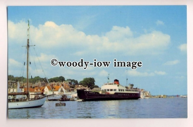 f1010 - Red Funnel Southampton to Cowes Ferry - Carisbrooke Castle - postcard