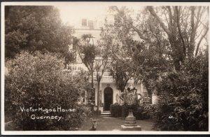 Channel Islands Postcard - Victor Hugo's House, Guernsey    DC554