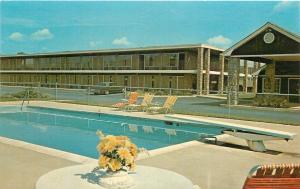 Cartersville Georgia~Pioneer Inn Swimming Pool~1970s Postcard