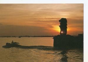 Postal 033176 : SingaporeS Merlion greets the morning sun