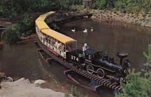 VANCOUVER , B.C. , 50-60s ; Miniature Train , Stanley Park