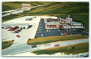 Postcard IL Geneseo Deck Plaza I80 Texaco Gas Station F12