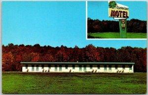 Lincoln, Rhode Island Postcard CLOVER LEAF MOTEL Route 146 Roadside c1960s
