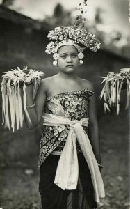 indonesia, BALI, Beautiful Young Native Girl, Offering Ceremony (1920s) RPPC