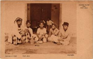 INDONESIA PC DUTCH INDIES - JAVA - Natives at meal (a1782)
