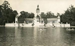 Spain - Madrid, Monument of Alphonso XII  *RPPC