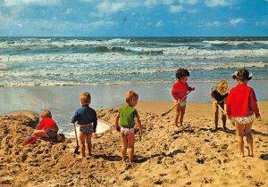 Belgium Westende De Parel der Kust Beach Sea Waves Children Postcard
