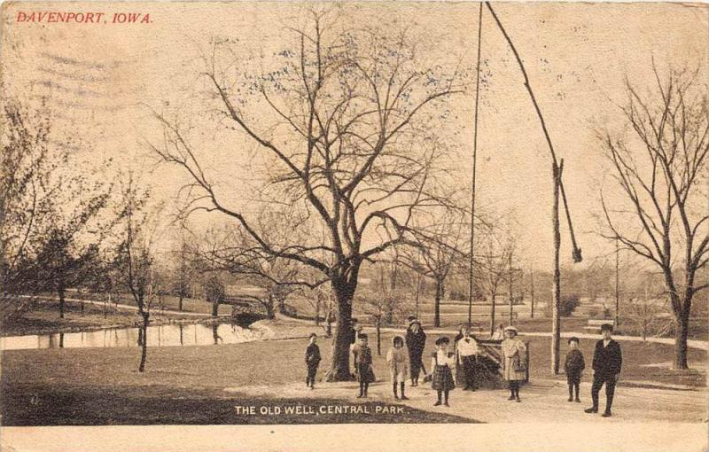 11645 IA  Davenport  1903   Central Park  The Old Well,  Children playing