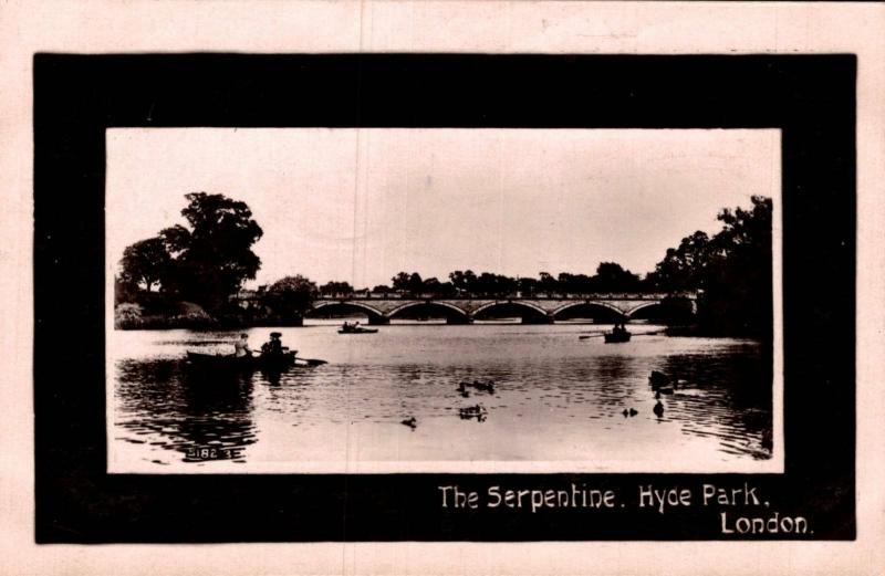 UK The Serpentine Hyde Park London 02.09