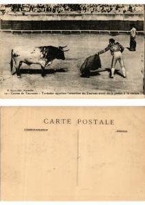 CPA AK Bullfighting - Toreador appelant l'attention du Taureau (775922)