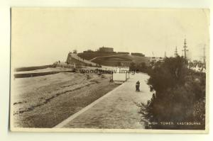 tp5327 - Sussex - The Wish Tower and Beach in  Eastbourne - postcard