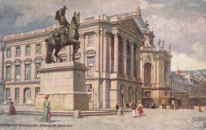 Chateau Versailles Statue de Louis XIV Tucks