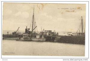 CONAKRY, Guinea.-Le Wharf  Ships