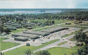 MORRISBURG , Ontario , 50-60s ; Shopping Plaza