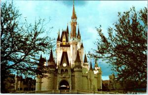 WALT DISNEY WORLD, FL  Florida  FANTASYLAND CINDERELLA  Castle  1976 Postcard