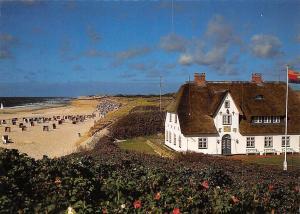 Die schoene Nordseeinsel Sylt, Strand bei Kampen, rechts Haus Kliffende Beach
