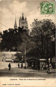 CPA AK LAUSANNE Place de la Riponne et Cathédrale SWITZERLAND (704666)
